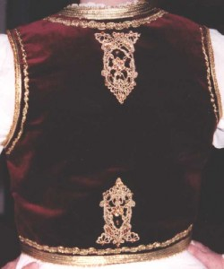 sumadija-w-vest-back